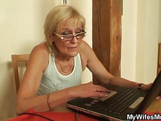 Banging old mother-in-law on the table