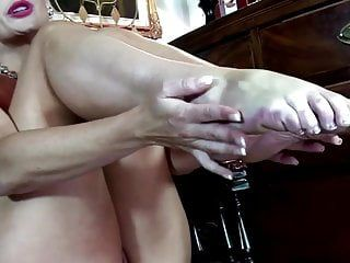 Hawt stripped milf with french pedicure feet solo