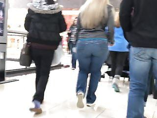 Thick blonde pawg milf christmas shopping busted edited
