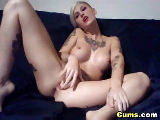 Large mambos tattoed hottie reaches climax hd