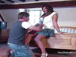 Olgun glam ev hanımı alır anal sırasında bu zaman bu koca olur dışarı