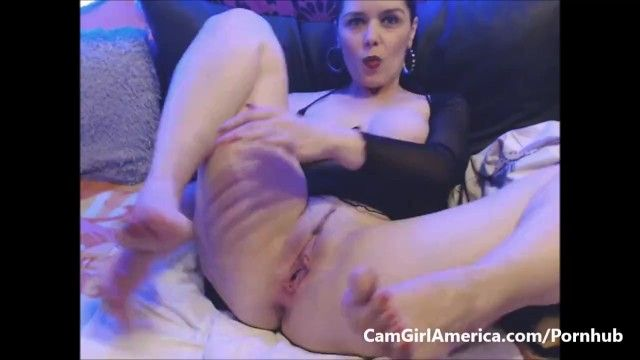 Hawt milf feet pumping herself