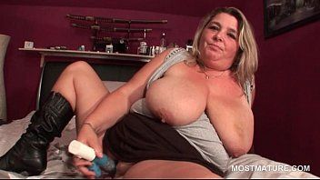Blond aged with huge bra buddies sex toy bonks herself with longing